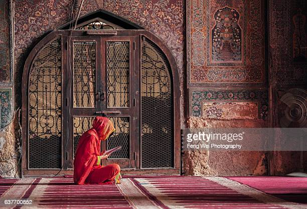 wazir khan mosque, lahore, punjab, pakistan - punjab pakistan stock photos and pictures