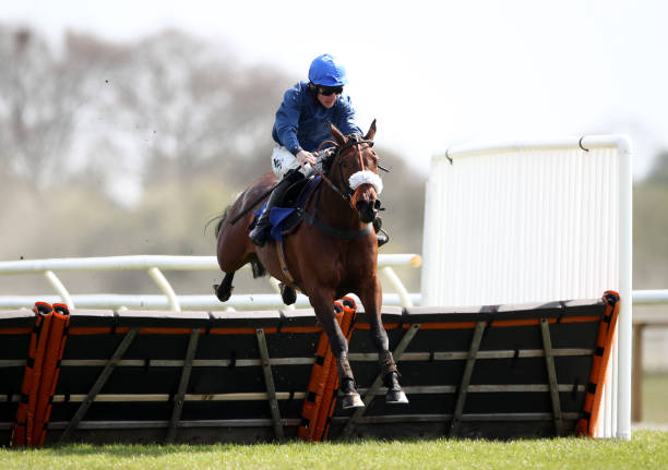 GBR: Stratford-upon-Avon Races