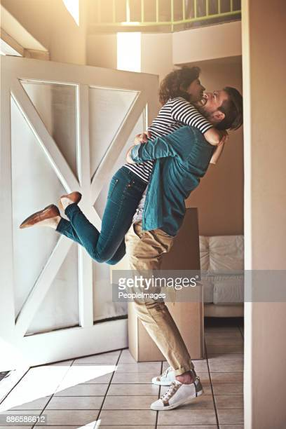we did it, babe! - heterosexual couple imagens e fotografias de stock