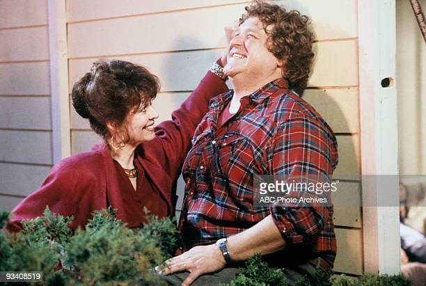ROSEANNE 'We Gather Together' 11/21/89 Ann Wedgeworth John Goodman