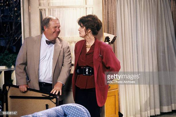 ROSEANNE 'We Gather Together' 11/21/89 Ned Beatty Ann Wedgeworth
