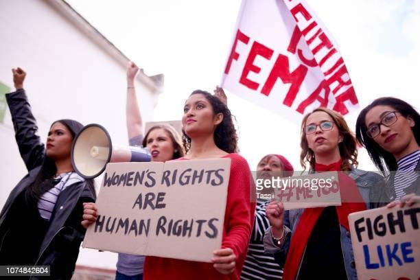 我々 は言う何か、私達の声が聞かれる - 社会運動 ストックフォトと画像