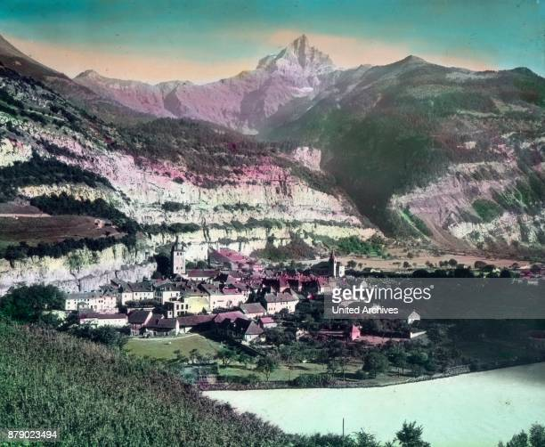 We leave the steamer in Villeneuve and hurry from there through the valley of the Rhone with the Simplon railway in several towns over to the...