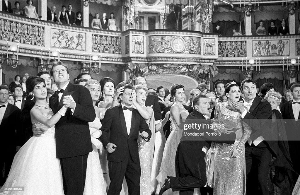 A disarray interrups the great ball at the San Carlo Theater : News Photo