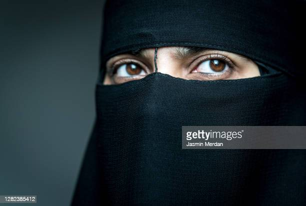 i wear mask all my life - nikab stock pictures, royalty-free photos & images