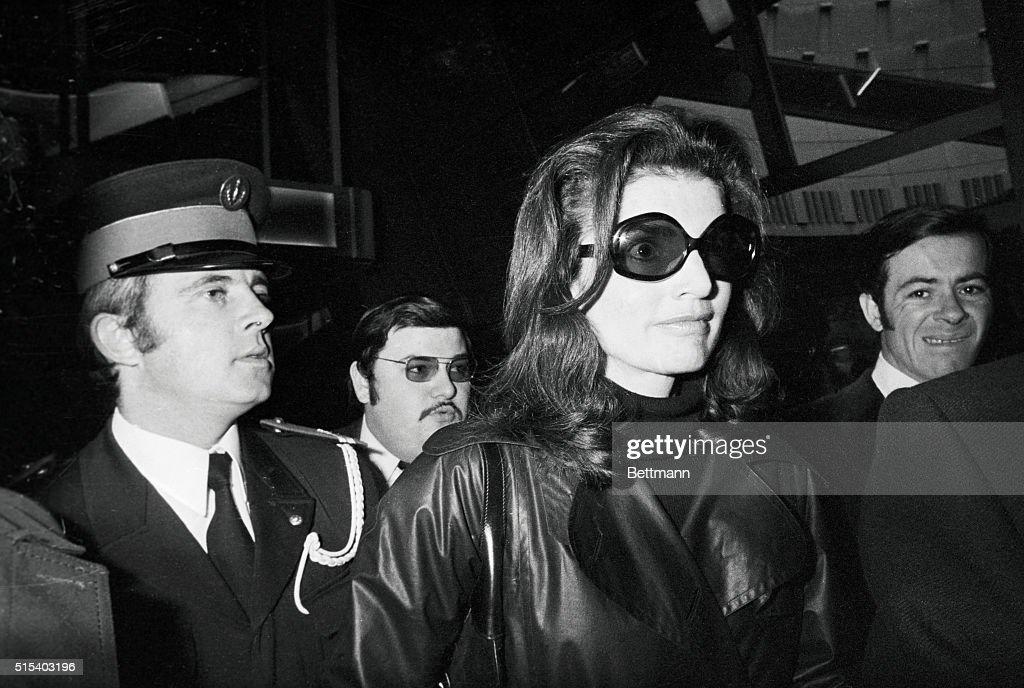 Jacqueline Kennedy Onassis Wearing Sunglasses : News Photo