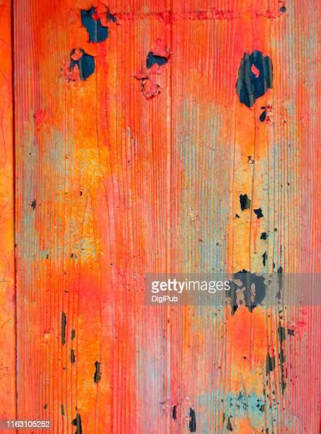 weathered orange colored exterior wall - cor saturada - fotografias e filmes do acervo