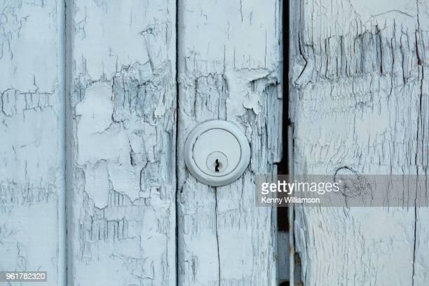 weathered - data privacy imagens e fotografias de stock