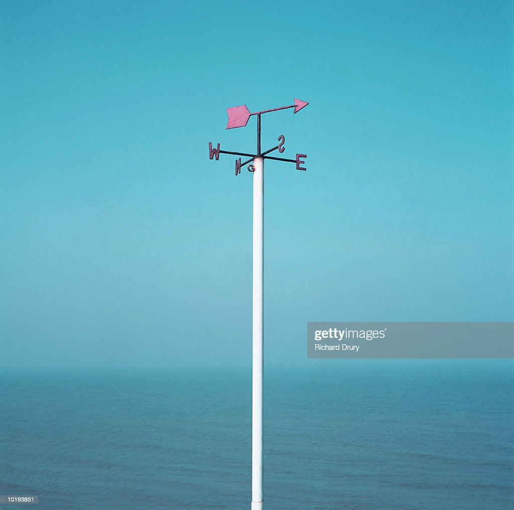 Weathervane on seafront : Stockfoto