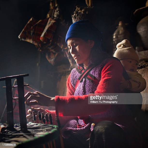 weaving, yuanyang, china - yuanyang stock pictures, royalty-free photos & images