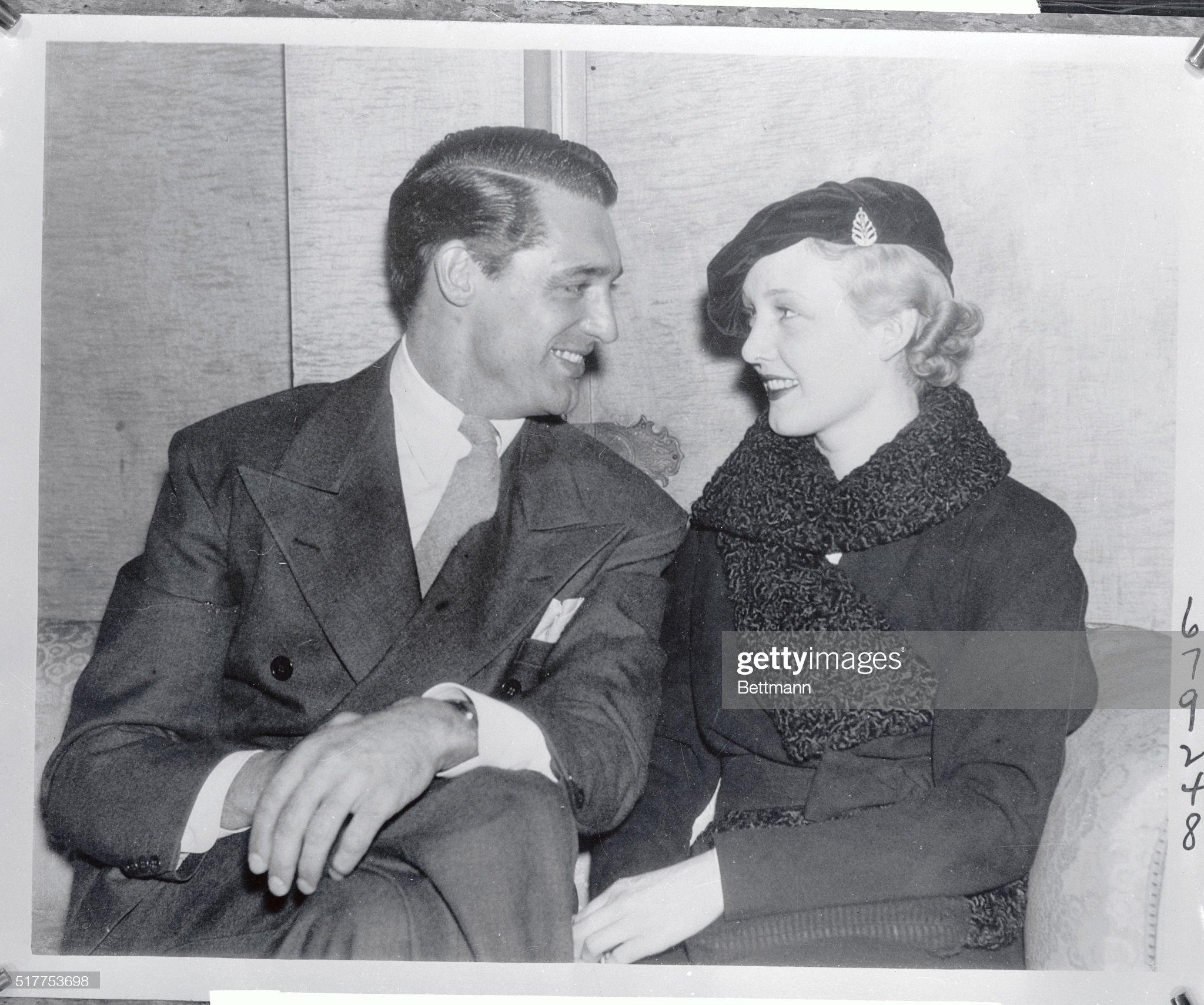 Cary Grant with Virginia Cherrill : ニュース写真