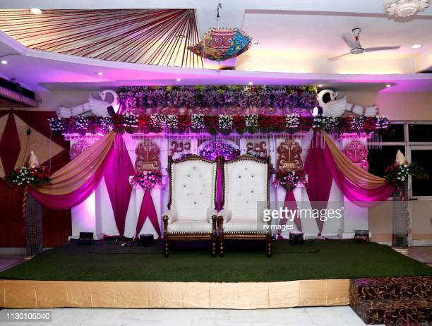 wedding couple stage, banquet hall - decoration stock pictures, royalty-free photos & images