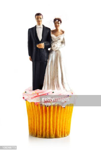 wedding cupcake - wedding cake figurine stock pictures, royalty-free photos & images