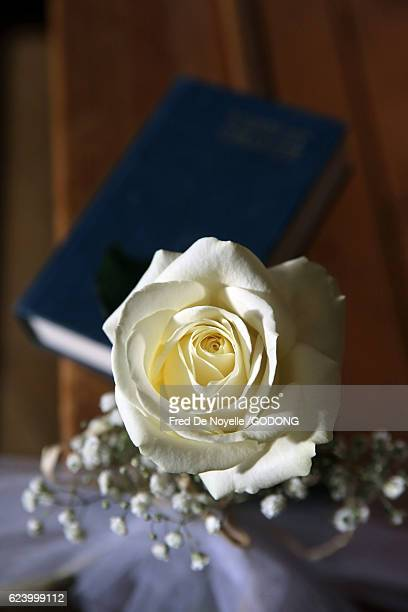 wedding decorations - rose fleur stock photos and pictures