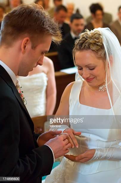 wedding: exchanging rings