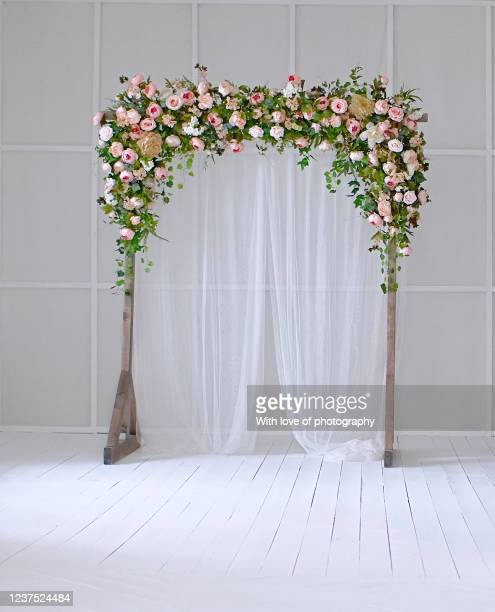 wedding floral decorations, flowers on wedding arch - arch stock pictures, royalty-free photos & images