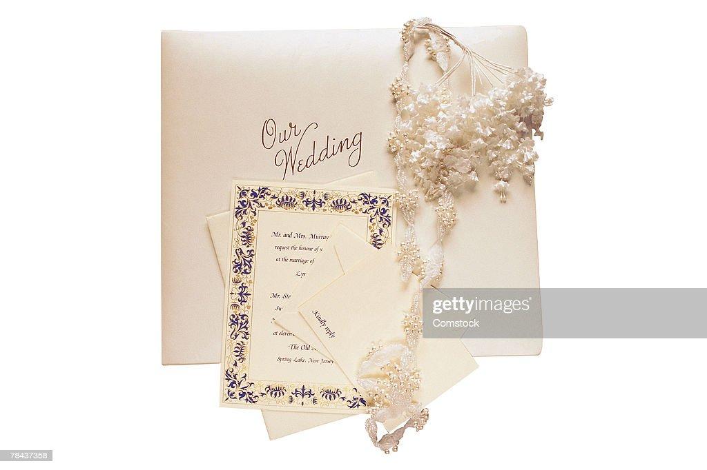 Wedding invitation and album : Stockfoto