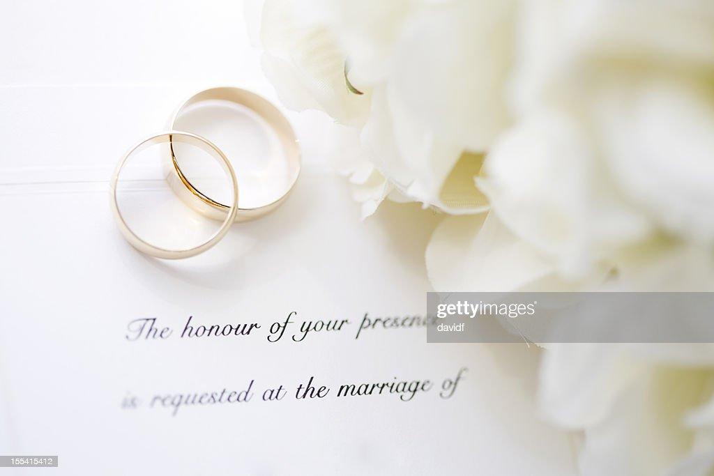 Hochzeit Einladung Und Ringe Stock Foto Getty Images