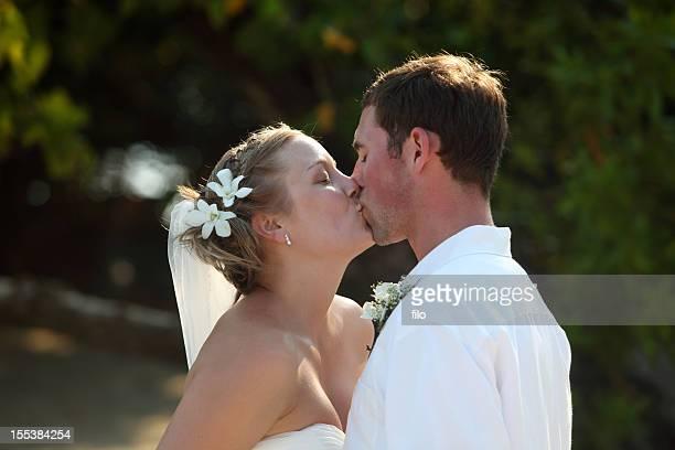wedding kiss - kissing stock pictures, royalty-free photos & images