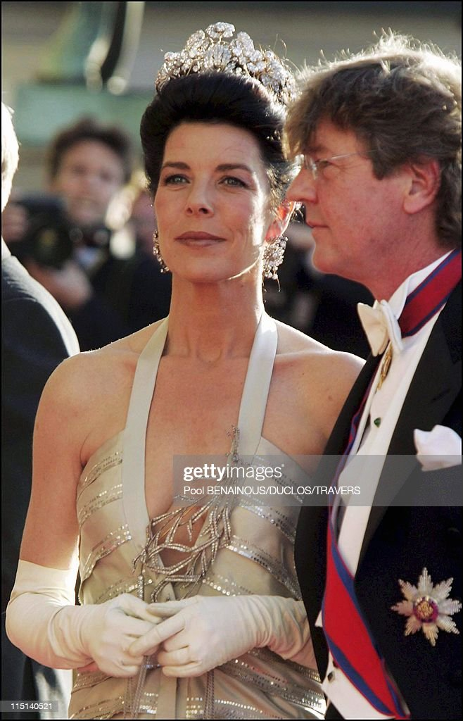 Wedding Of Crown Prince Frederik And Miss Mary Elisabeth Donaldson: Arrivals For The Gala Performance In The Royal Theatre In Copenhagen, Denmark On May 13, 2004. : Nachrichtenfoto