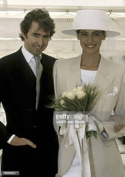 Wedding Of Luigi D'Urso And Ines De La Fressange. Inès DE LA FRESSANGE, en Saint Laurent et Luigi D'URSO le jour de leur mariage à Tarascon en juin...