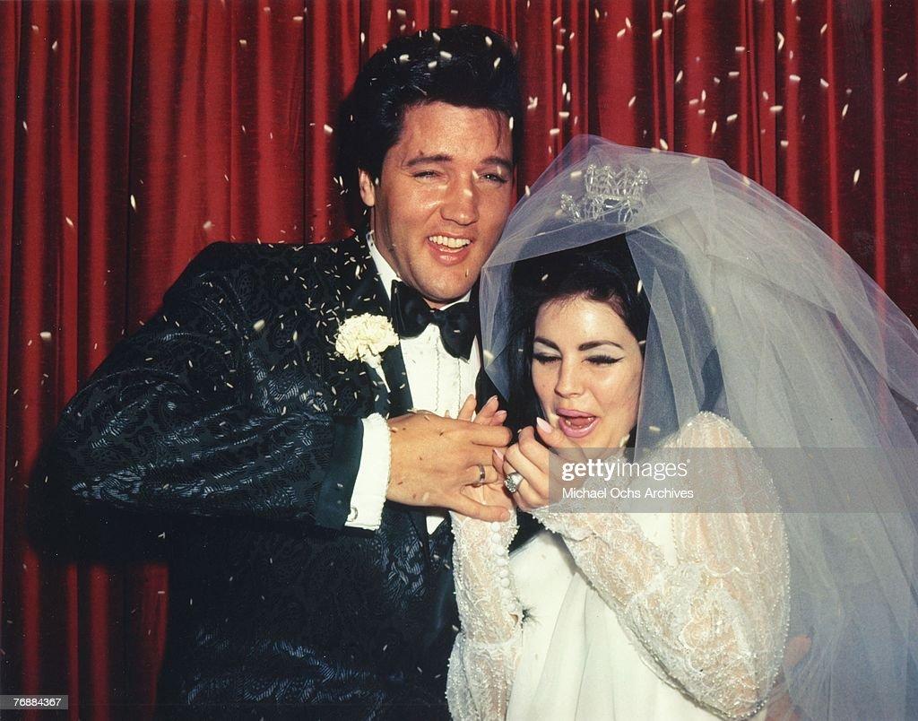 Photo of Elvis Presley & Priscilla Presley : News Photo