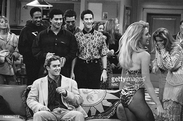 YEARS 'Wedding Plans' Episode 19 Air Date Pictured MarkPaul Gosselaar as Zack Morris Mario Lopez as AC Slater Dustin Diamond as Screech Powers Kathy...
