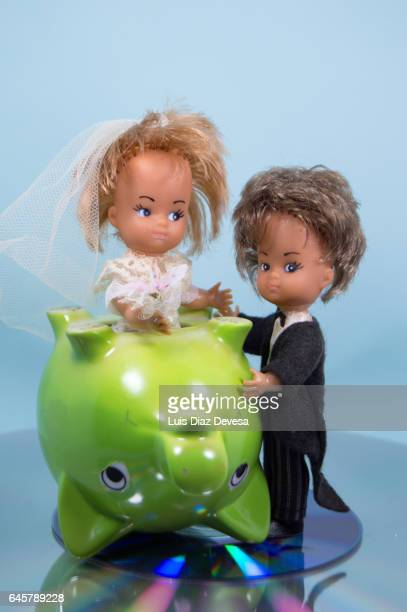 weddings and the economic crisis - costo stock pictures, royalty-free photos & images