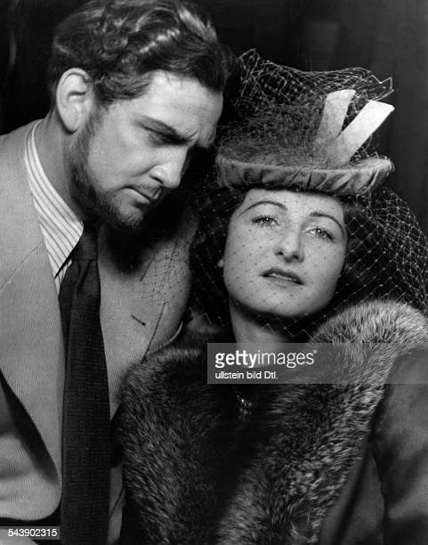 Wedekind Pamela Actress Singer Germany*19061986with Gustav Knuth in 'Am hohen Meer' premiere at the Staatstheater Berlin Photographer Charlotte...