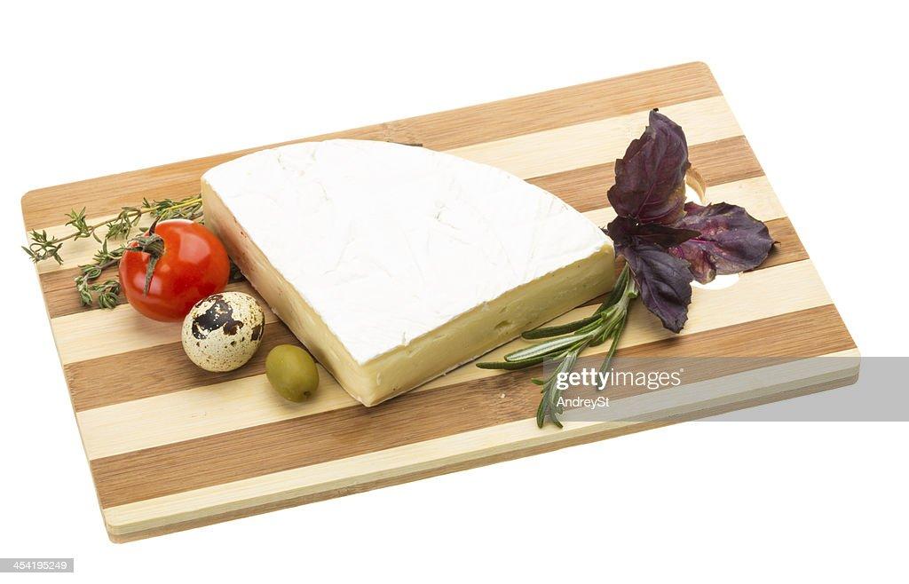 Cuña de queso Gourmet Brie : Foto de stock