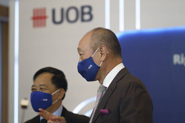 SGP: UOB CEO Wee Ee Cheong Attends News Conference as Bank Beats Earnings Estimates