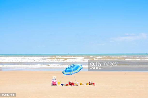 weekend at the beach with the kids - brasil sergipe aracaju - fotografias e filmes do acervo