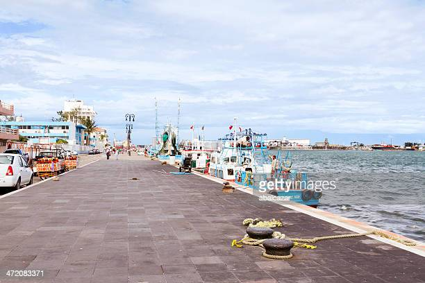weekend at veracruz port - veracruz stock pictures, royalty-free photos & images