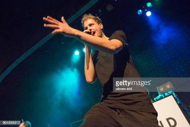 Weekend buergerlich Christoph Wiegand der deutsche Rapper bei einem Konzert im Hamburger Mojo Club Photo by Jazz Archiv Hamburgullstein bild via...