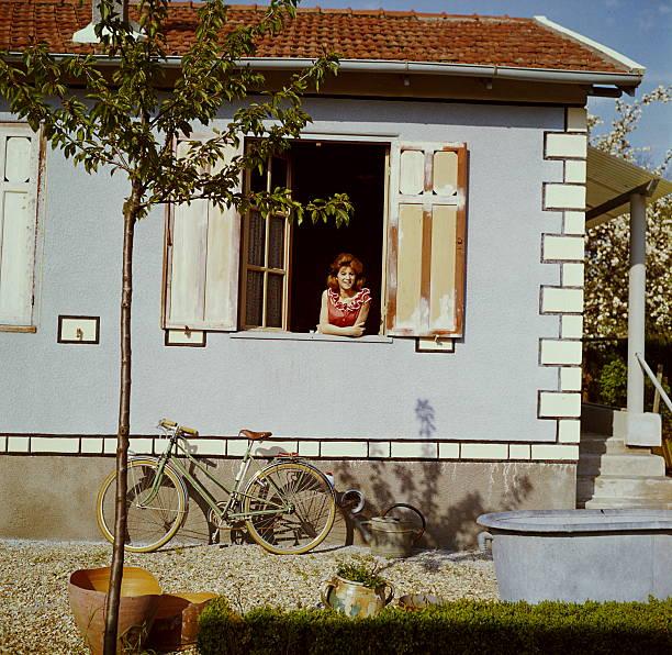a weekend with sheila sheila pose la fen tre dans sa maison de brunoy en seine et oise. Black Bedroom Furniture Sets. Home Design Ideas