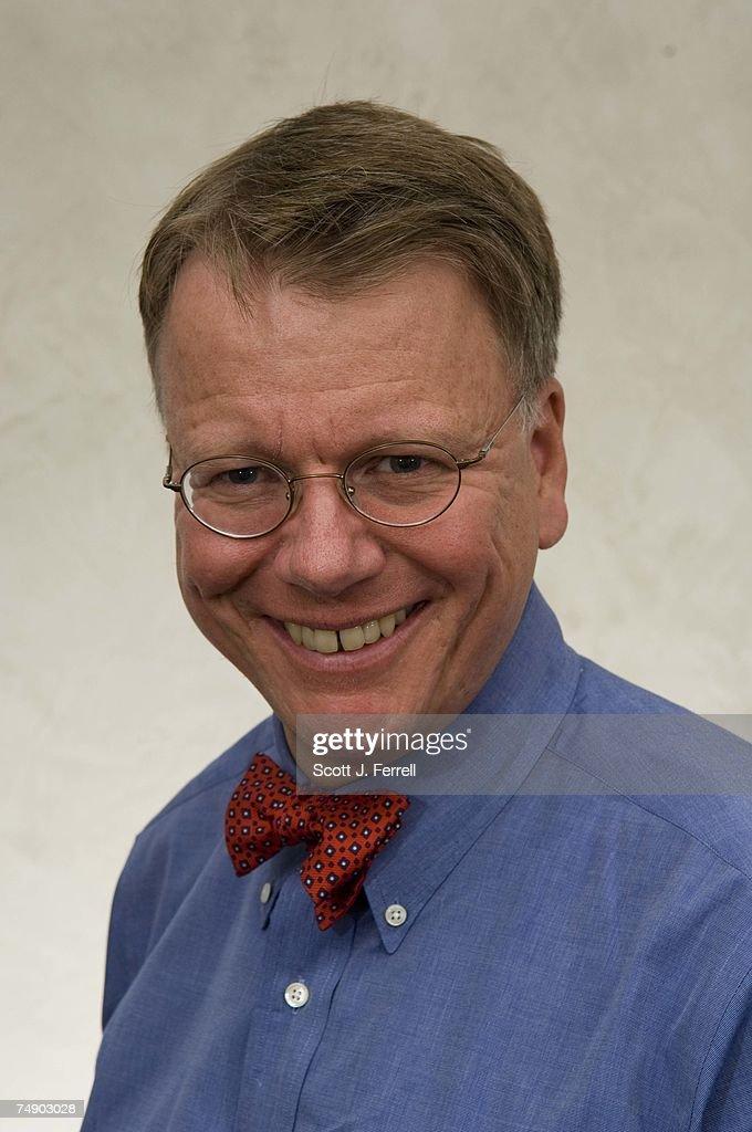 Cq Weekly Managing Editor David Hawkings : News Photo