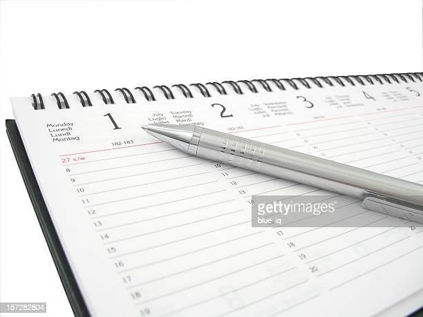 Wöchentliche planner mit Stift oben-isoliert