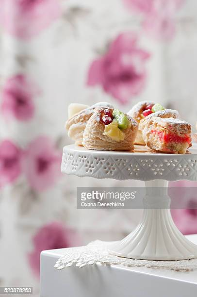 weet cakes with custard and fruit