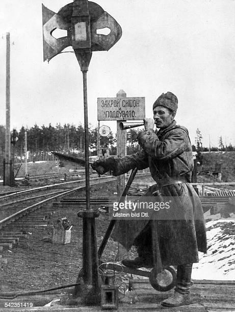 Weichensteller auf der Strecke bei Nowosibirskum 1900