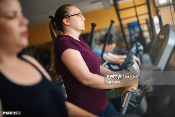 weight loss training. - leisure facilities stock pictures, royalty-free photos & images