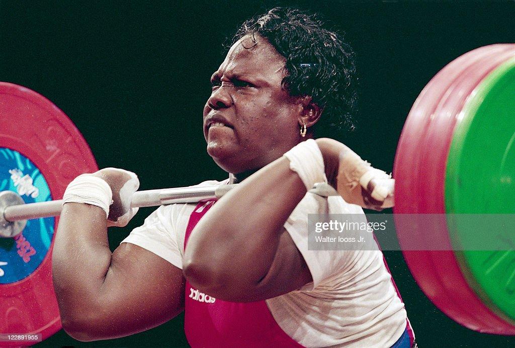 Weightlifting, 2000 Summer Olympics : News Photo