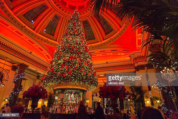 weihnachtlich geschmücktes Restaurant The Dome in Edinburgh