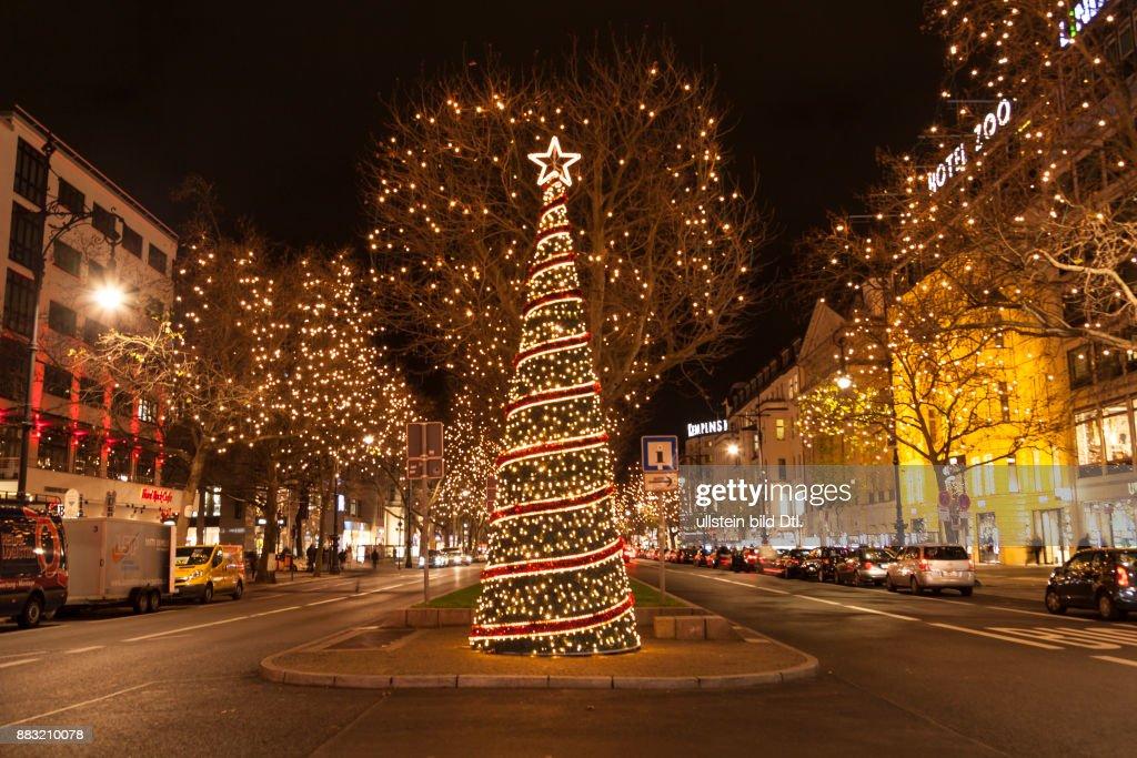 Weihnachtsbeleuchtung Kurfürstendamm.Weihnachtsbaum Und Weihnachtsbeleuchtung Am Kurfürstendamm In Berlin