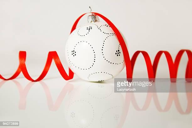 weihnachtskugel - lucyna koch stock-fotos und bilder