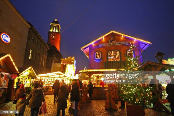 Weihnachtsmarkt Berlin Spandau Altstadt mit Rathaus