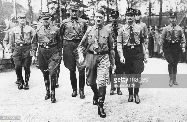 Weimar Republic Harzburg Front Meeting of right wing 'national opposition' in Bad HarzburgNSDAP party leader Adolf Hitler with his party stafffright...