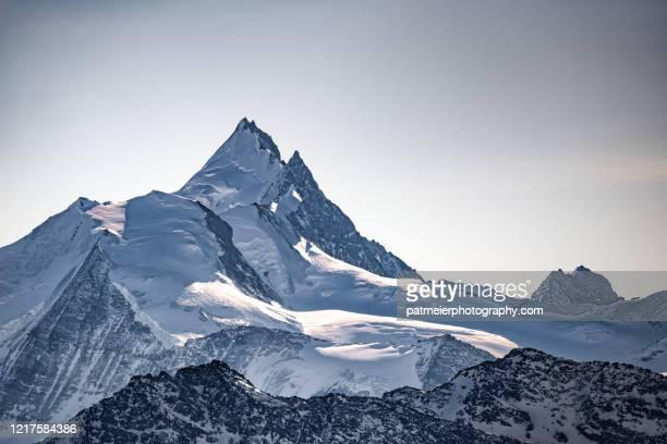 weisshorn in valais - mountain stock-fotos und bilder