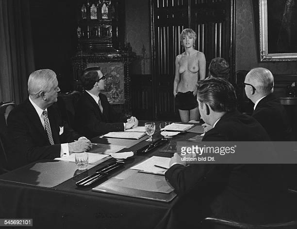 Weitershausen Gila von *Schauspielerin D in Gruppe in dem Film OhrfeigenBRD 1970Regie Rolf Thiele