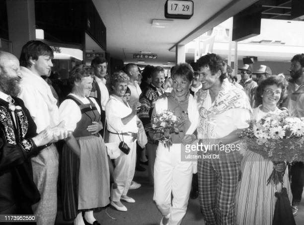 Welcome reception for Erika Hess after World Championships in Crans Montana, with Jacques Reymond, 1987