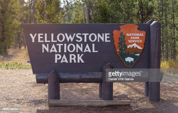 Welcome sign to Yellowstone